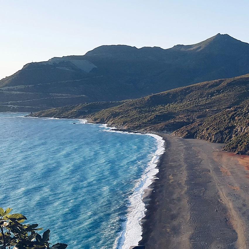 Spiaggia_nera_Nonza