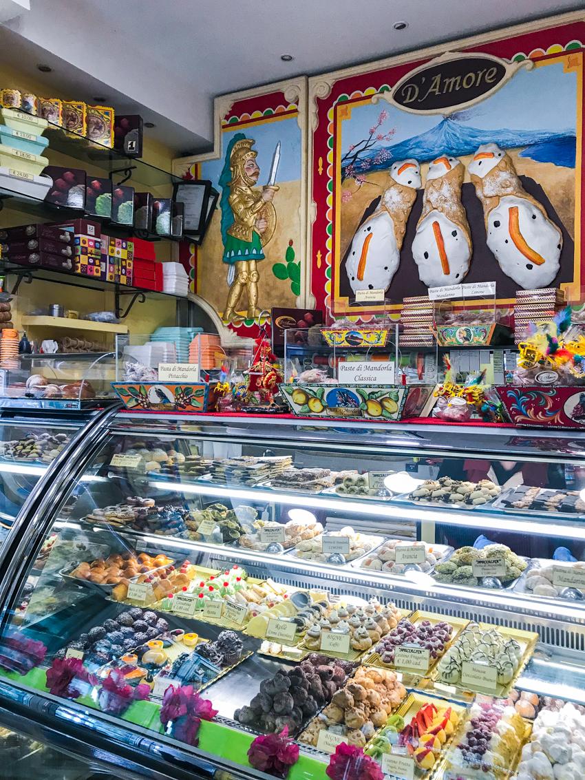 cannoli-siciliani-dolci-siciliani