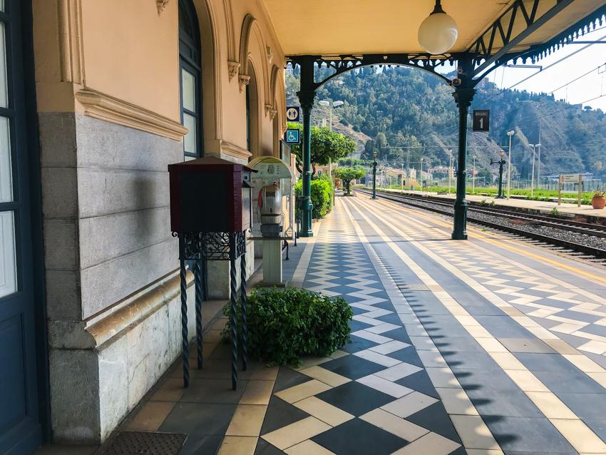 stazione-taormina-sicilia-2018-estate